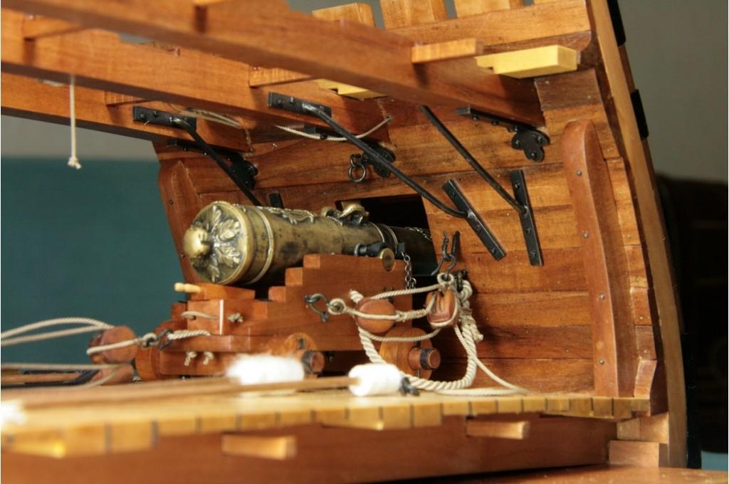 Модель корабля Вторая версия модели бронзовой 24-фунтовой пушки Le Fleuron. Фото 6